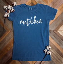 "Ladies - ""Metuchen"" in Script Lettering"
