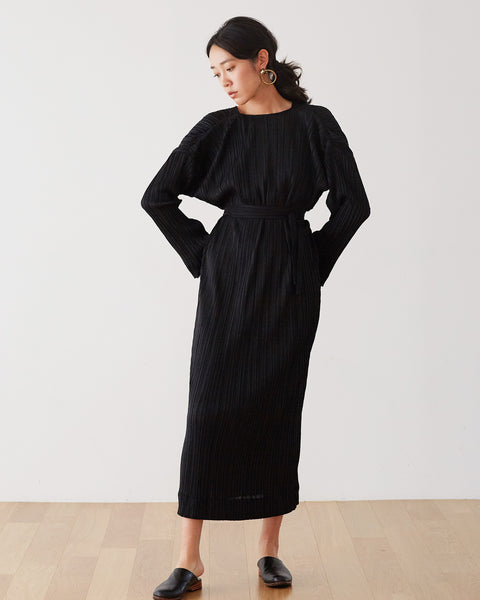 Laura Pleates Robe / BLACK