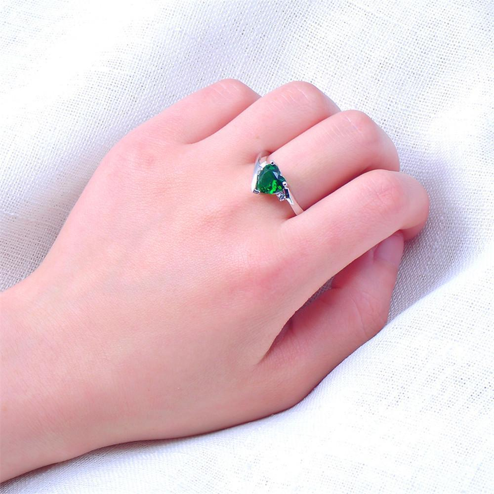 Emerald Heart Ring(May) – OLIO