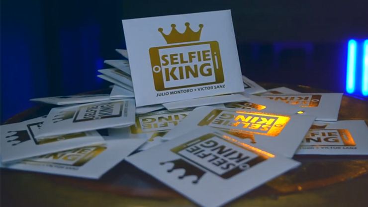 Hanson Chien Presents Selfie King by Julio Montoro and Victor Sanz