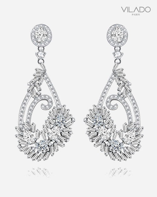 Sparkling Elegant Stud Earring with Diamond