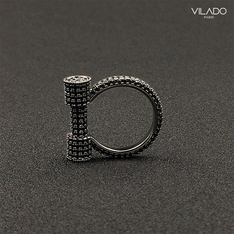Uniquely Design Horseshoe Diamond Ring