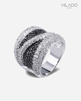High Qulity Black And White Crystal Ring with Diamonds