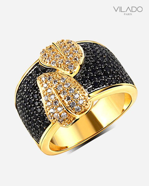 Elegant Black Stud With Classy Leaf Shape Ring with Diamond