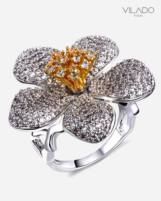 Perfect Yet Beautiful Flower Shape Ring with Diamond