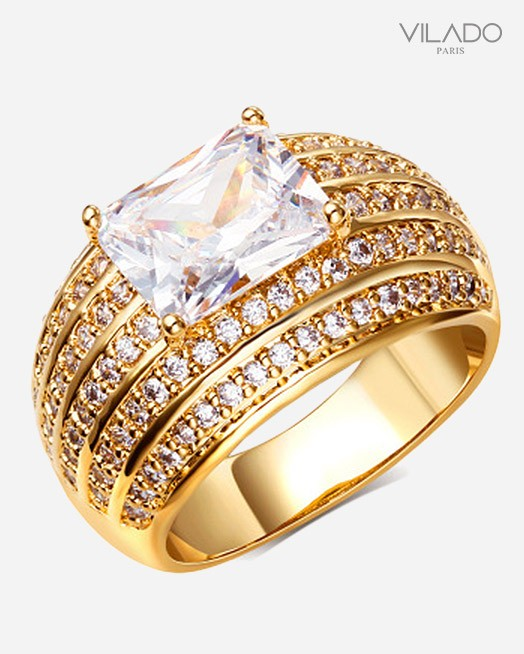 Embellished Design Ring With Diamond