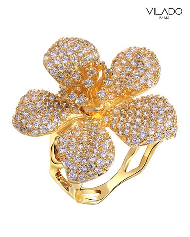 Glitzy Yet Classy Flower Diamond Ring