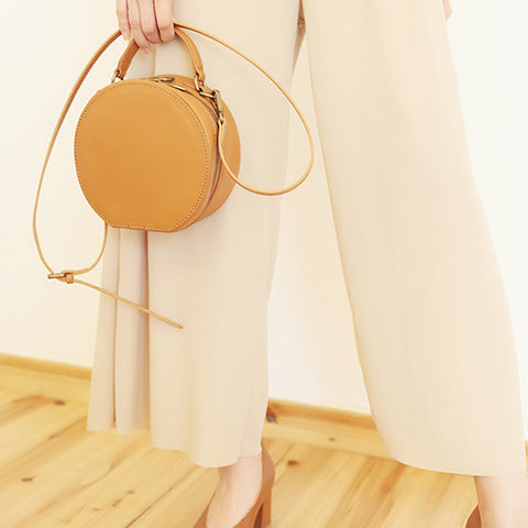 LEATHER BROWN CIRCLE BAG CIRCLE PURSE CROSSBODY BAG ROUND BAG ROUND PURSE