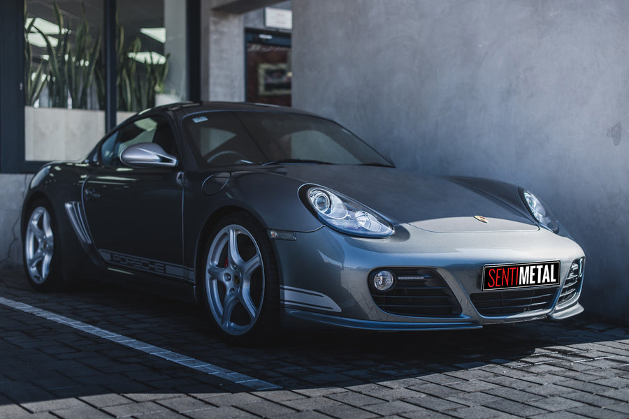 Porsche Cayman R: Out of the Shadows