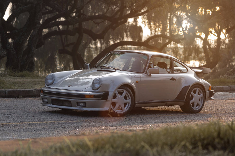 Porsche 911 (930) Turbo - Meeting the Widowmaker