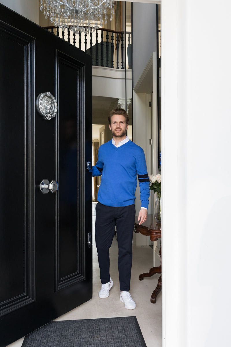Mens V Jumper in cobalt blue