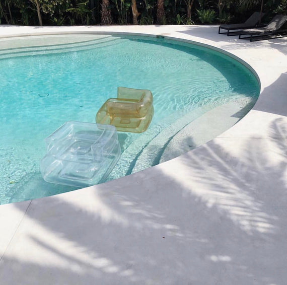 Gstaad Pool Sofa