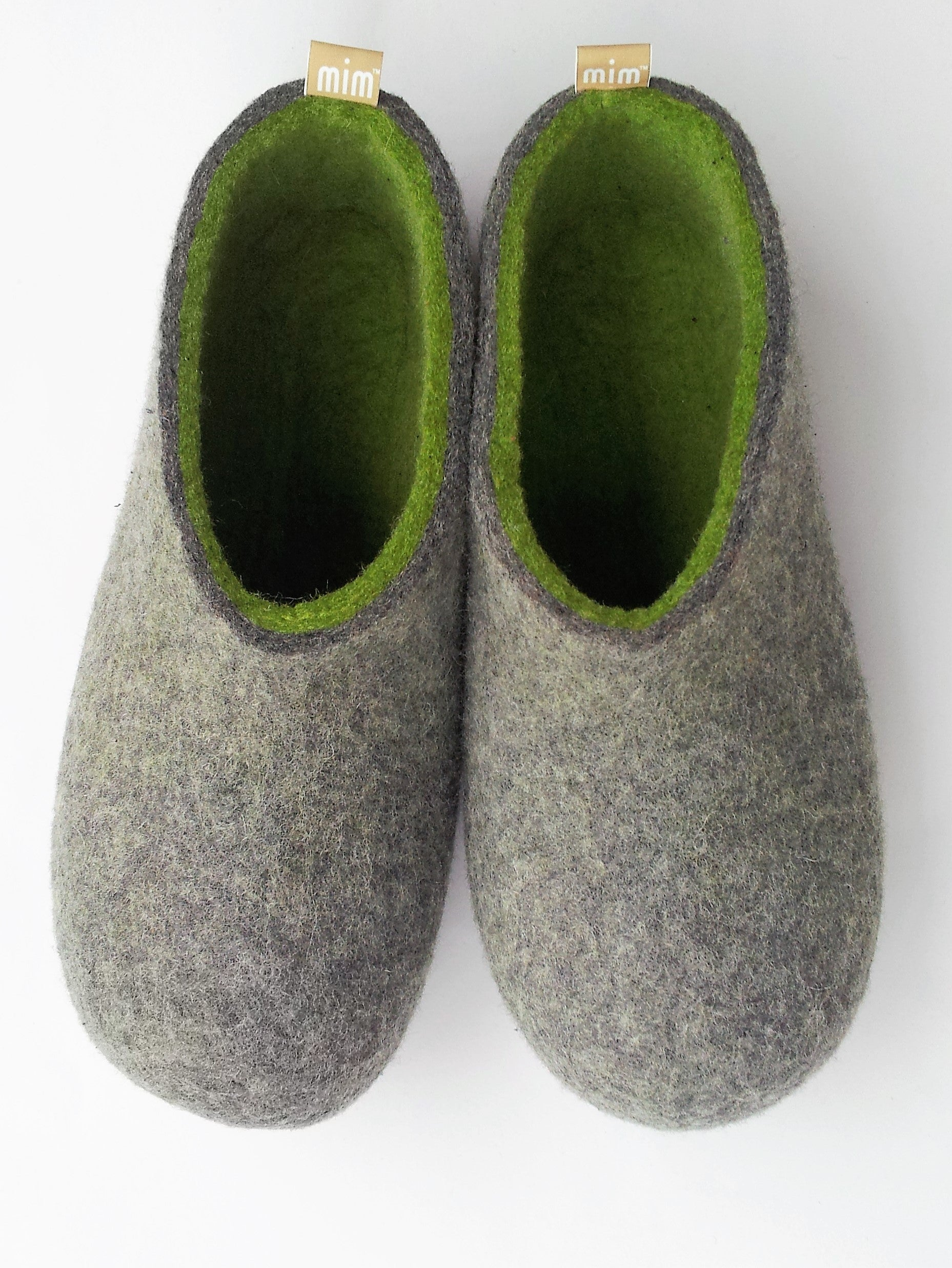 men's handmade 100% wool seamless felt slipper from Mongolia