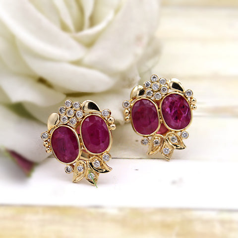 Vintage Natural Ruby Diamond Stud 18kt Yellow Gold Earrings