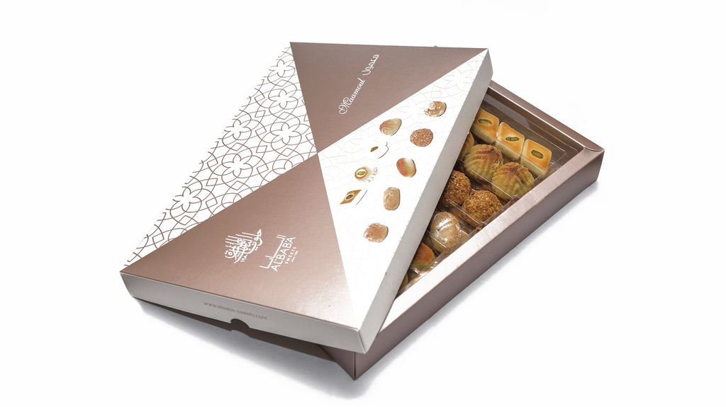 Assorted Mini Maamoul with Maamoul Fruits, Ghraibeh and Sanyoura Box
