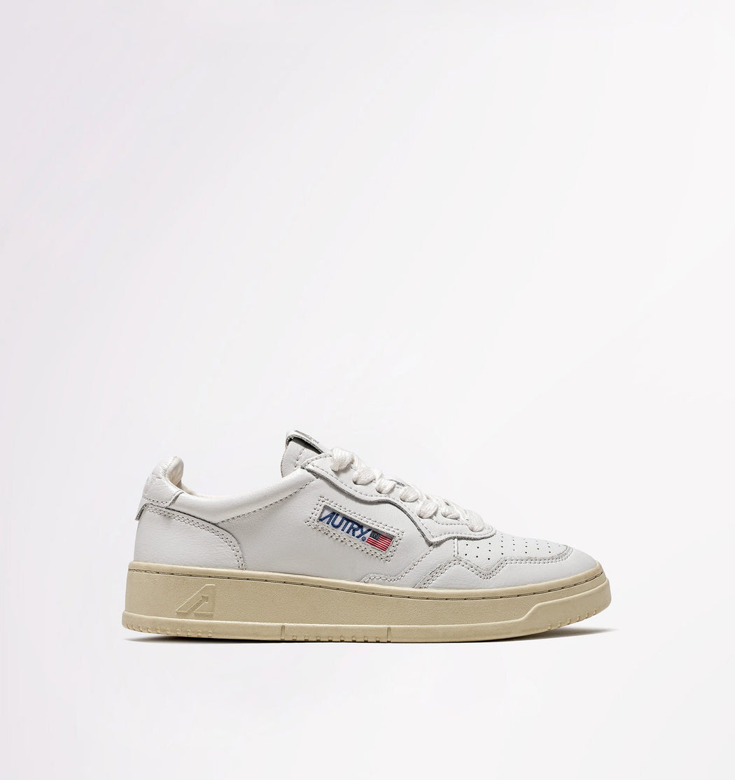 AUTRY LN15 - LOW WOM ALL LEAT / NABK - White / White Women's Shoes AUTRY - Women's collection