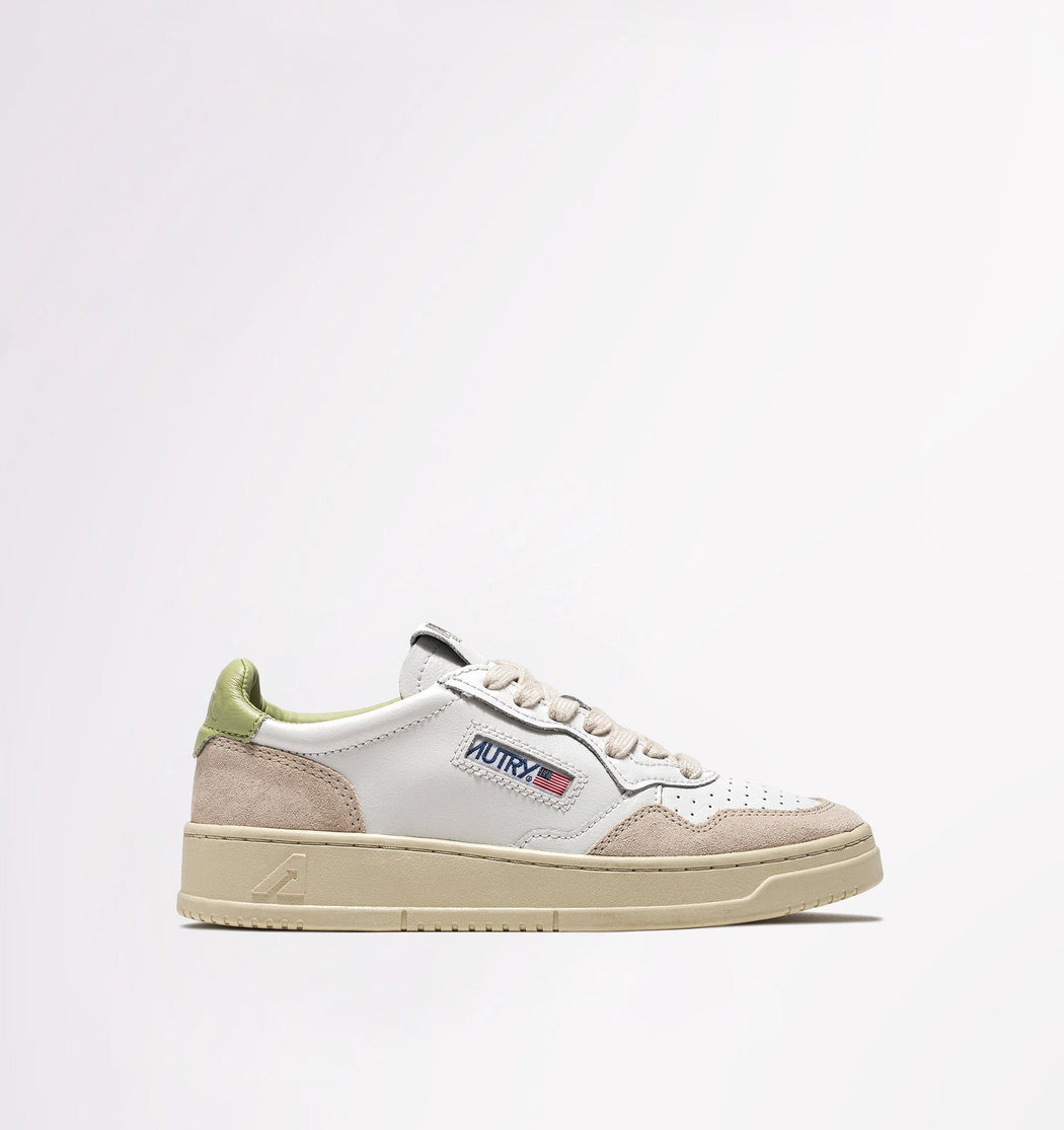 AUTRY LS41 - LOW WOM ALL LEAT / SUEDE - White / Mint Women's Shoes AUTRY - Women's collection