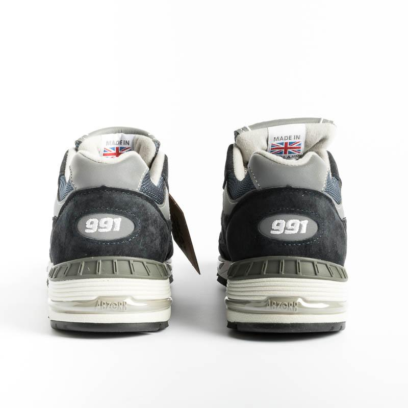 NEW BALANCE - Sneakers 991 NV - Navy Men's Shoes NEW BALANCE - Men's Collection