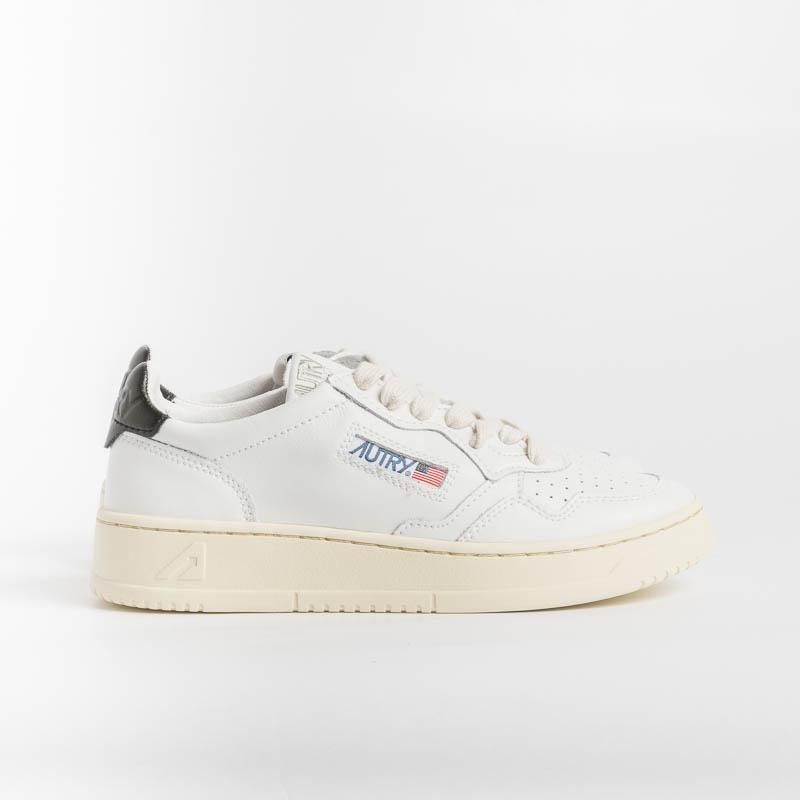 AUTRY LL22 - LOW WOM LEAT - White / Black Women's Shoes AUTRY - Women's collection