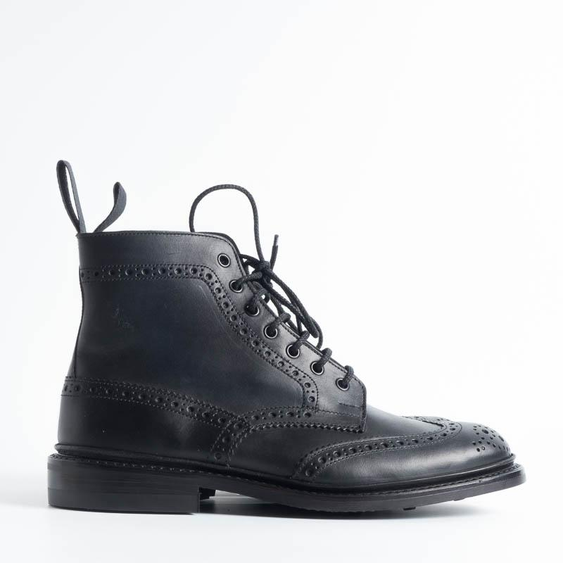 TRICKER'S - Continuous Brogue Boot - Stow Black oily calf Men's Shoes Tricker's