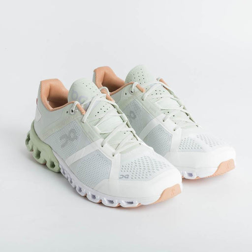 ON RUNNING - Cloudflow - Aloe | White Women's Shoes ON - Women's Collection
