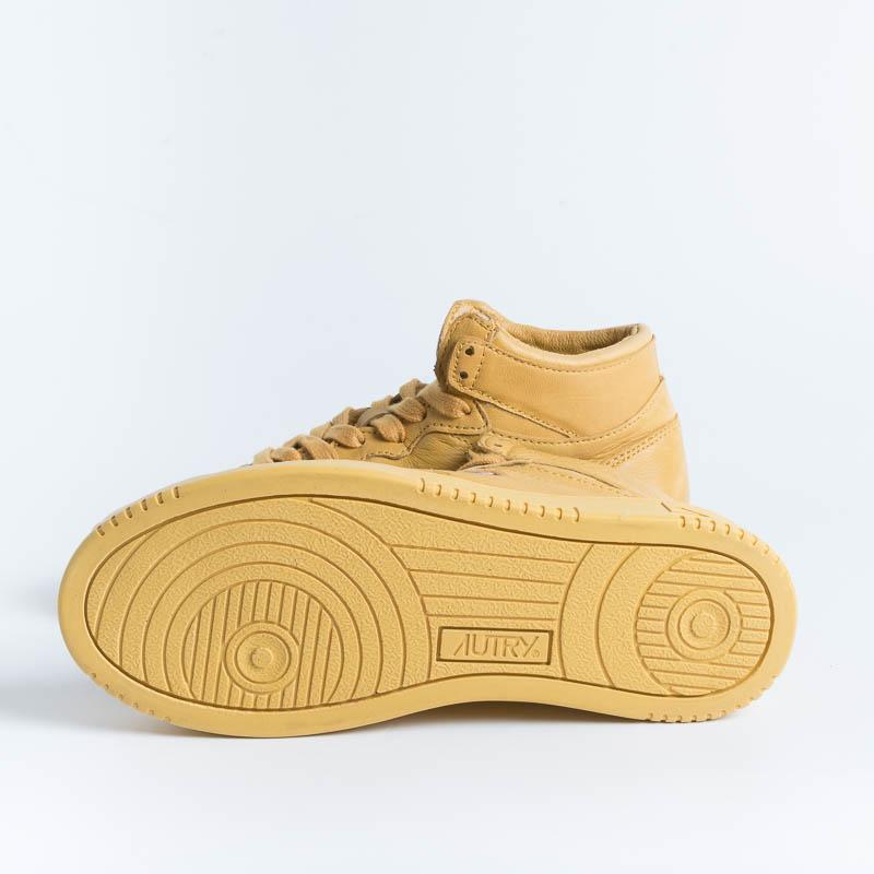 AUTRY AUMW SG05 - MID WOM SOLID GOAT - Mustard Women's Shoes AUTRY - Women's collection