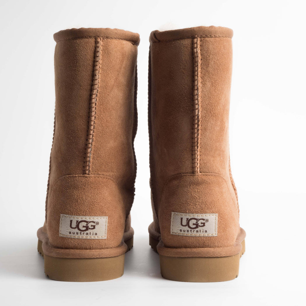 UGG - Classic Short 5825w - chestnut Women's Shoes Ugg
