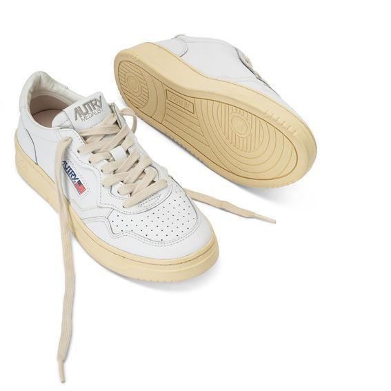 AUTRY LL21 - LOW WOM ALL LEAT - White / Red Women's Shoes AUTRY - Women's collection