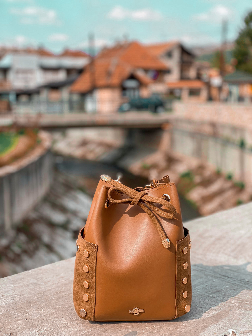 Mini Bucket bag cognac brown