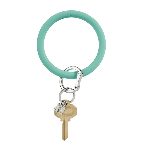 O-venture in the pOOl silicOne Big O Key Ring