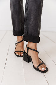 Summer In Malibu Sandal// Black