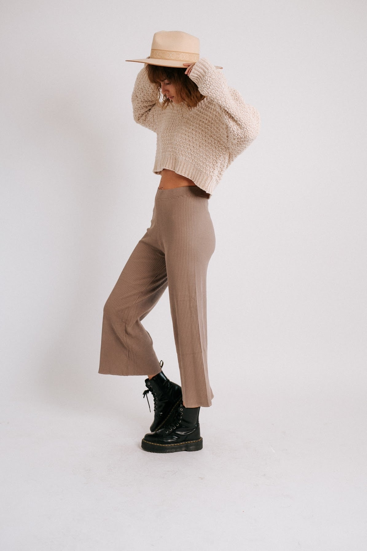 The Everyday Ribbed Pant// Mocha