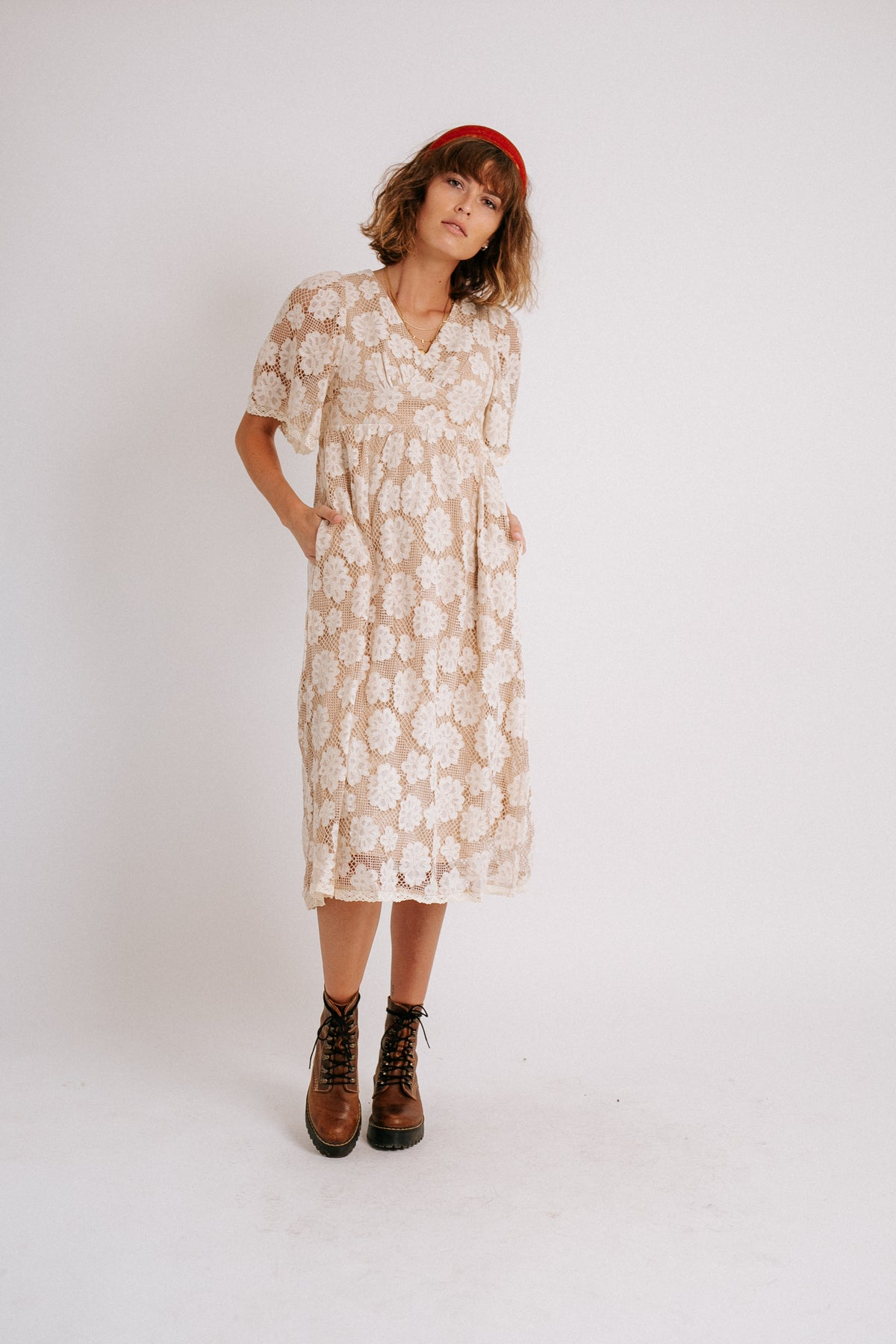 Hello Lover Lace Dress// White