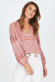 LAKEFRONT WOVEN TOP