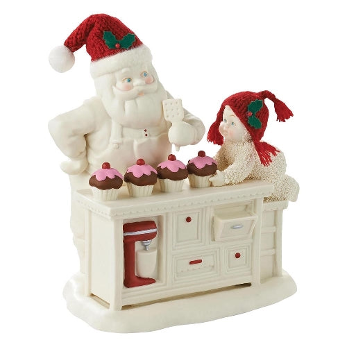 Snowbabies 'Baking In The Kitchen With Santa'