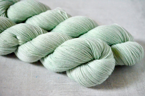 A Hint of Mint [bounce sock]