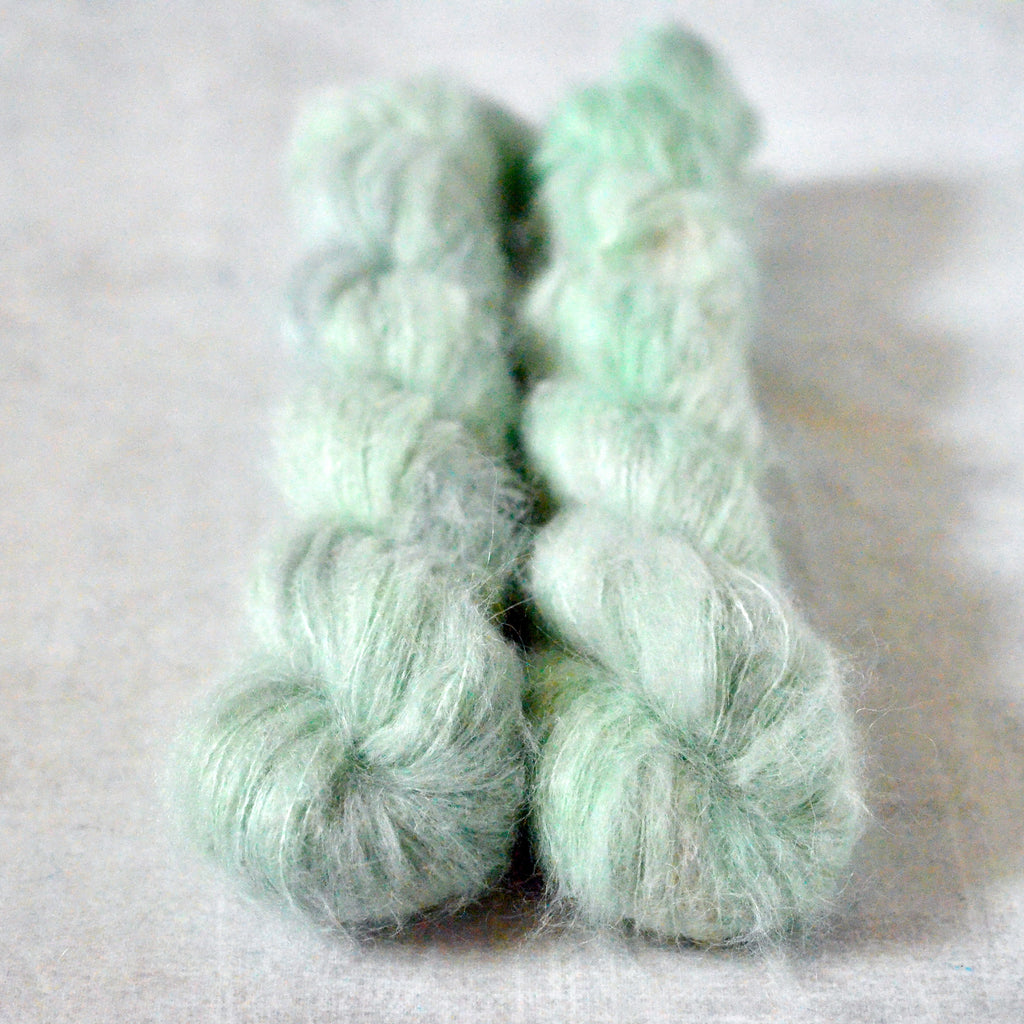 A Hint of Mint [suri lace]