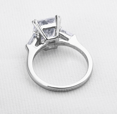 Xoxo 5th Avenue 925 Sterling Silver Three Stone Ring