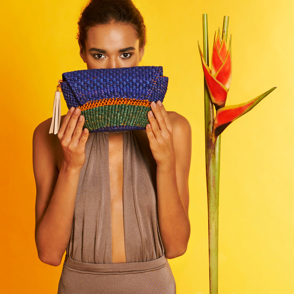 Ambi-Clutch-Purse-Straw-clutch