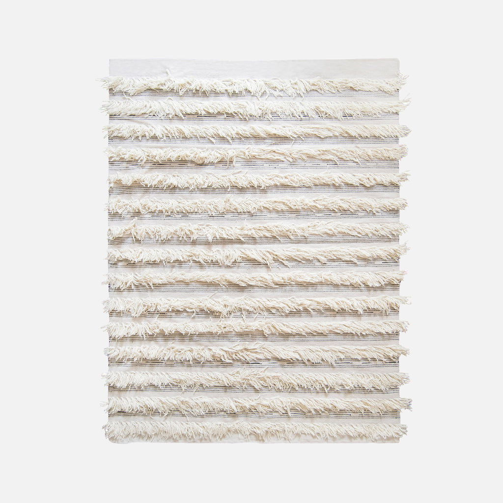 WHITE-FRINGE-RUG-WOOL