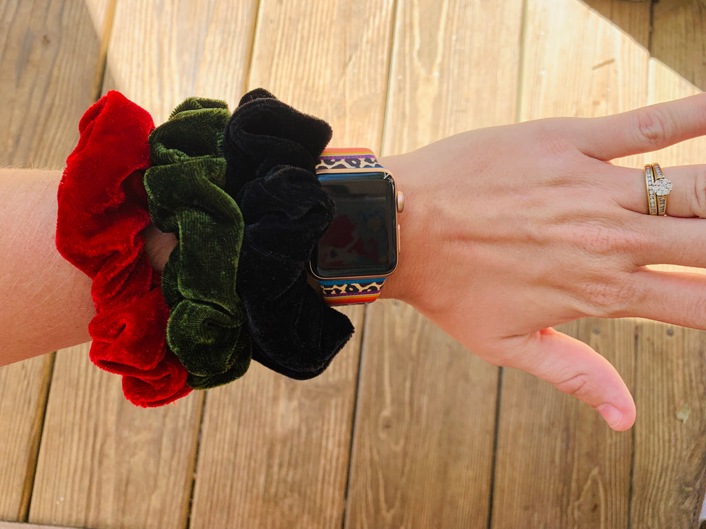 Holly Jolly Hair Scrunchies Set