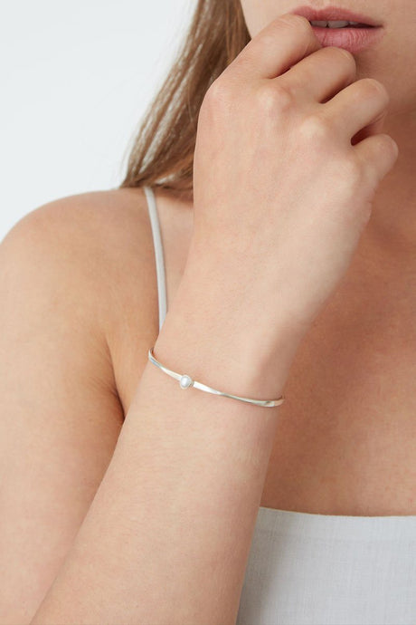 Oval White Freshwater Pearl Cuff