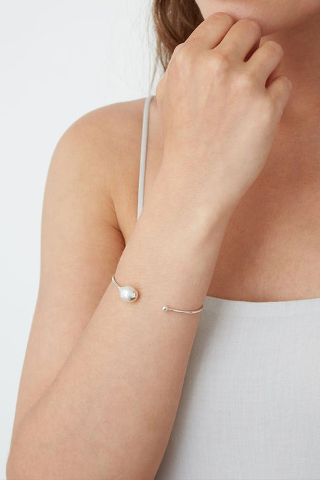White Freshwater Pearl Cuff