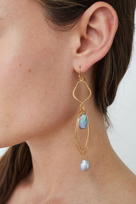 Tiered Grey Pearl Matisse Earrings