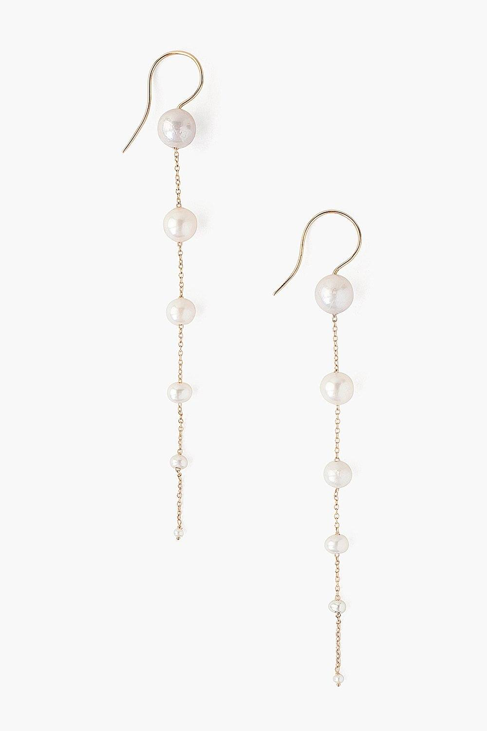 Graduated White Pearl Earrings