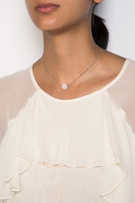 White Floating Pendant Pearl Necklace