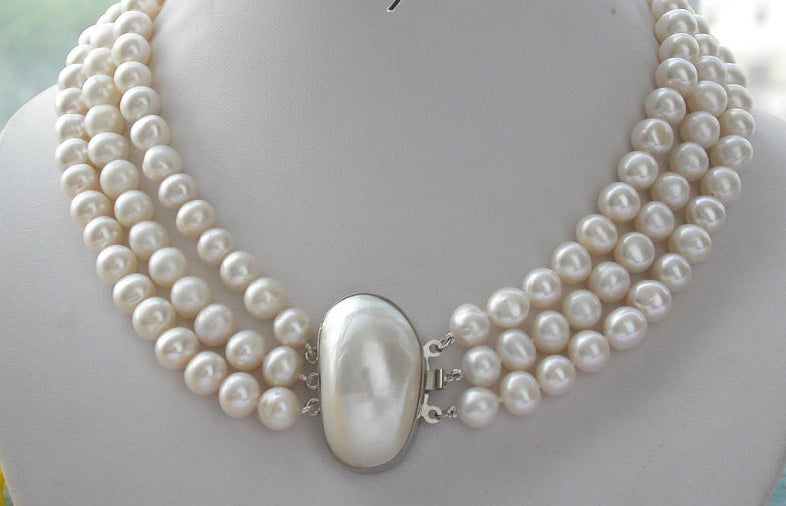 Women Classic White Freshwater Pearl Necklace