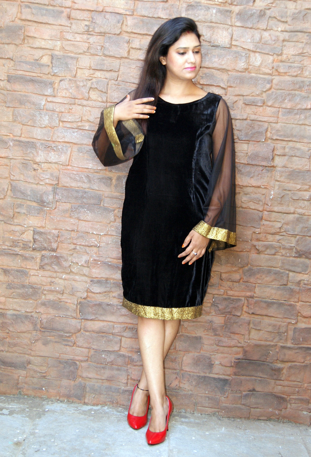 Black velvet Dresses Long Umbrella Sleeve