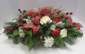 530- Festive Plaid Center piece