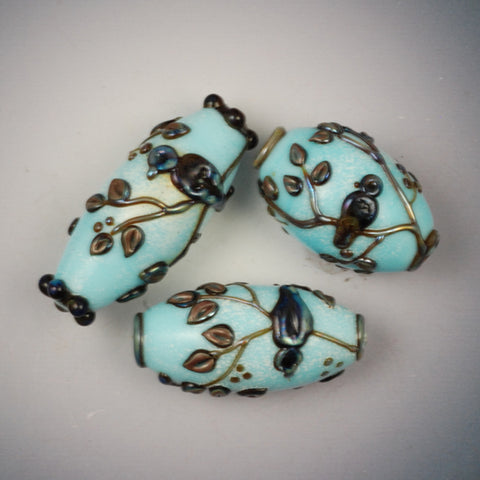 Vickie Hallmark | Blue Bird Beads | flame worked glass